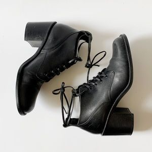 Vintage 90s tie up ankle boots